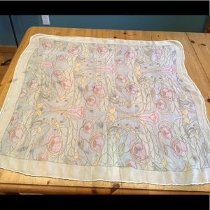 🌷VINTAGE 60s Liberty of London silk crepe scarf